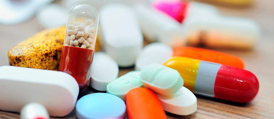 Картинки по запросу просроченные лекарства